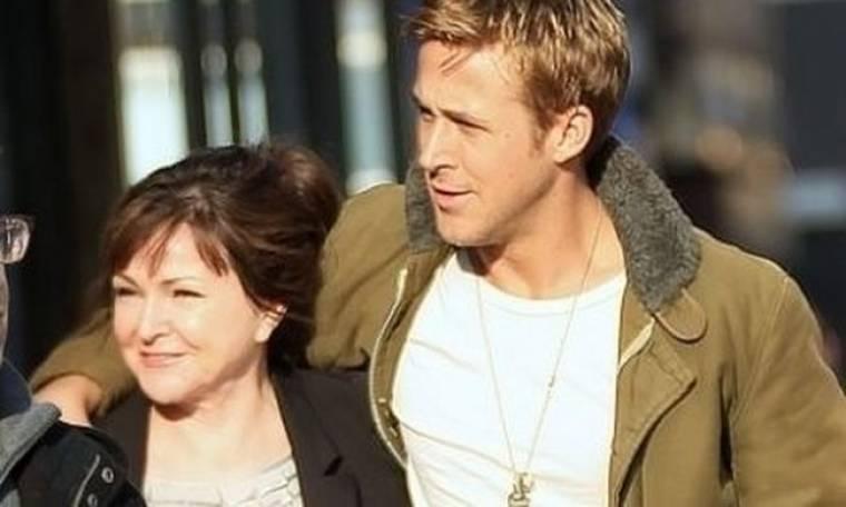 Ryan Gosling: Στο σινεμά με την Eva και τη μαμά του