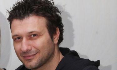 Γιάννης Πλούταρχος: «Είναι περίεργο να ερμηνεύω ένα τραγούδι με το όνομα της γυναίκας μου»