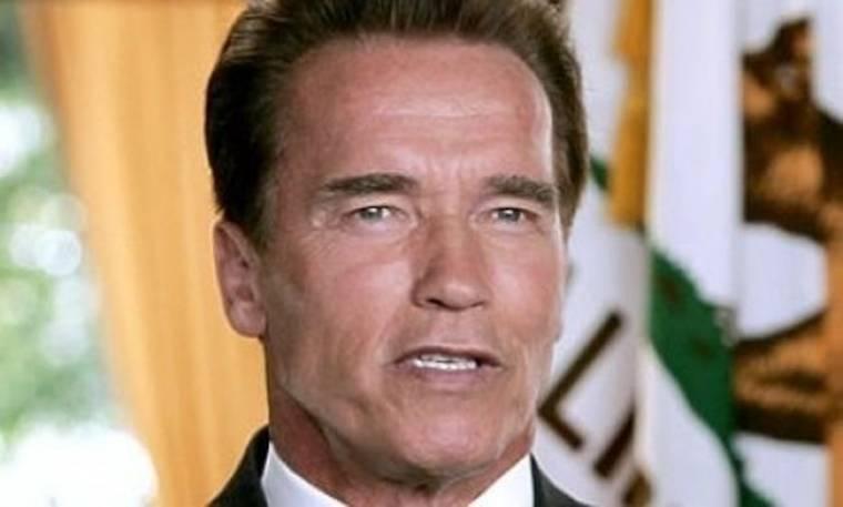 Ο Schwarzenegger επιστρέφει στην αγκαλιά της (απατημένης) γυναίκας του