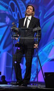 Brad Pitt: Με το μπαστουνάκι στο κόκκινο χαλί