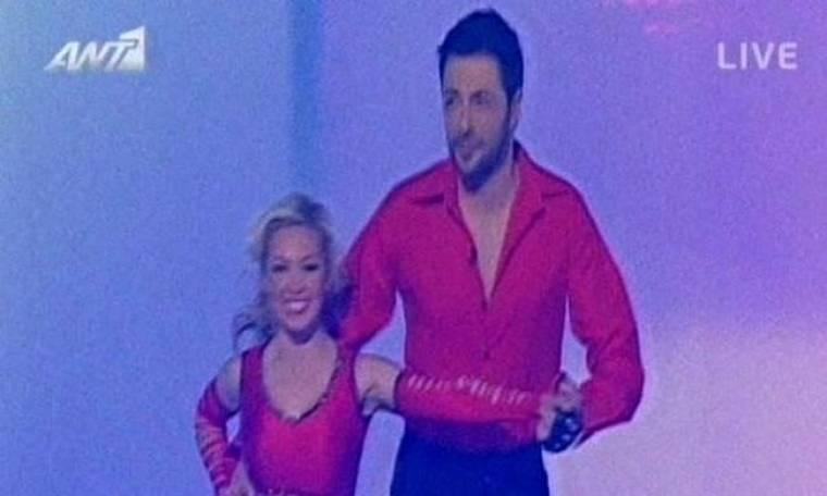 Παρά τα κόκκινα που φόρεσε, δεν εντυπωσίασε ο Γιώργος Χειμωνέτος!