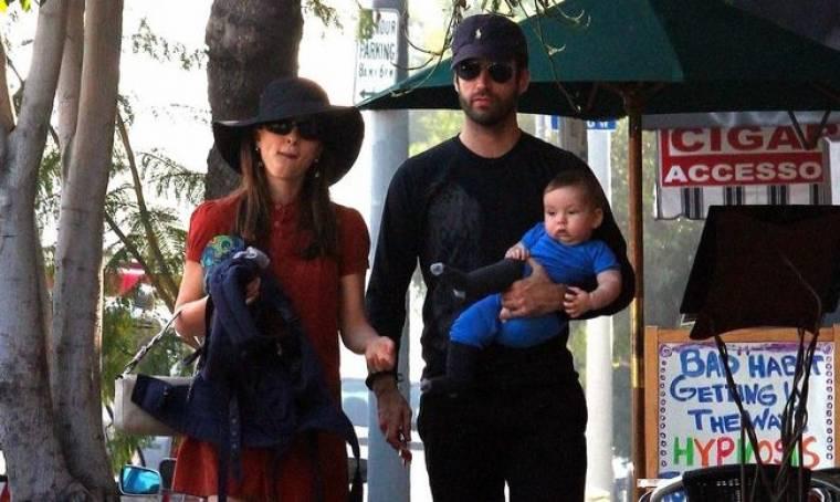 Natalie Portman: Οικογενειακή βόλτα στην Καλιφόρνια