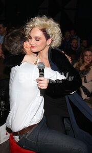 Φιλιούνται, αγκαλιάζονται! (φωτό)