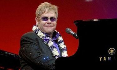Ο Elton John γράφει βιβλίο για το AIDS