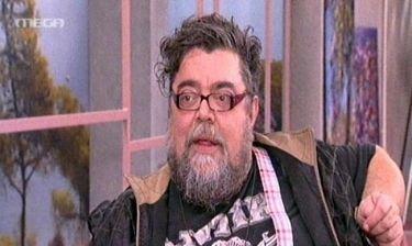 Σταμάτης Κραουνάκης: «Σπίτι κυκλοφορώ με ένα σεντόνι»