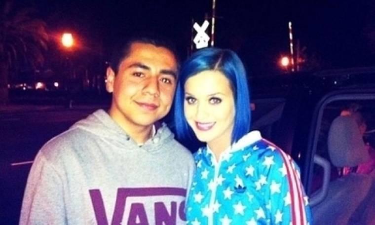 Η Katy Perry τα έβαψε… μπλε