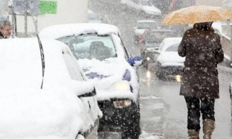 Τσουχτερό κρύο, βροχές και χιόνια