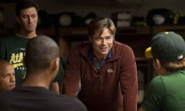 Δείτε τον Brad Pitt να κλαίει από τα γέλια
