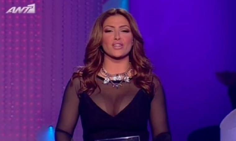 Έλενα Παπαρίζου: Η αποψινή παρουσιάστρια του «Dancing on ice»