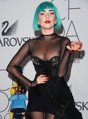 Και όμως, είναι η Lady Gaga στην καθημερινότητά της!