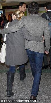 Kate Winslet-Ned Rocknroll: Με ίδιο ντύσιμο στο αεροδρόμιο