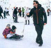Βλοντάκης-Στεργιάδου: Οικογενειακή εκδρομή στα χιόνια