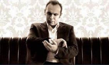 Ο Κώστας Μακεδόνας τραγουδά… Νίκο Γούναρη