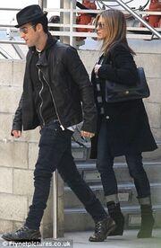 Jennifer Aniston: Εμφάνιση χωρίς κανένα σημάδι εγκυμοσύνης (φωτό)