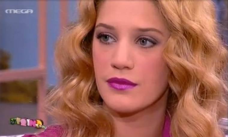 Τζένη Θεωνά: «Οι άνδρες δεν με φλερτάρουν. Μπορεί να τους φοβίζω… τι να πω…»