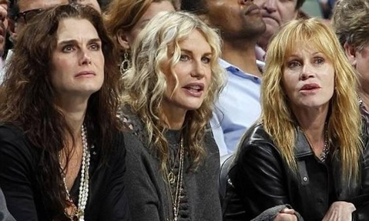 Τρεις κυρίες σε αγώνα μπάσκετ