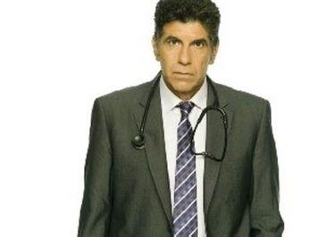 «Κλινική περίπτωση»: Ο γιατρός θα γίνει κουμπάρος στο γάμο της Ανδριάνας;