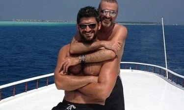 Ο George Michael αγκαλιά με το σύντροφό του