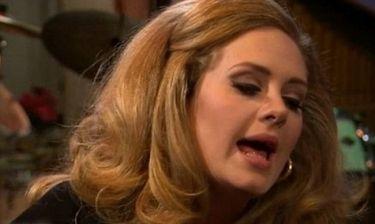 Η Adele τραγουδά για πρώτη φορά μετά την επέμβαση και… acapella