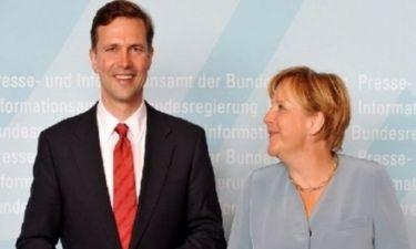 Ζάιμπερτ: Θα βοηθήσουμε την Ελλάδα εντός της ευρωζώνης