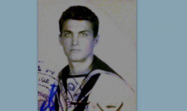 Αναγνωρίζετε τον ναύτη της φωτογραφίας;