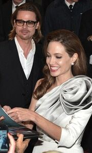 Angelina Jolie: Σέξι – σικ στο Παρίσι