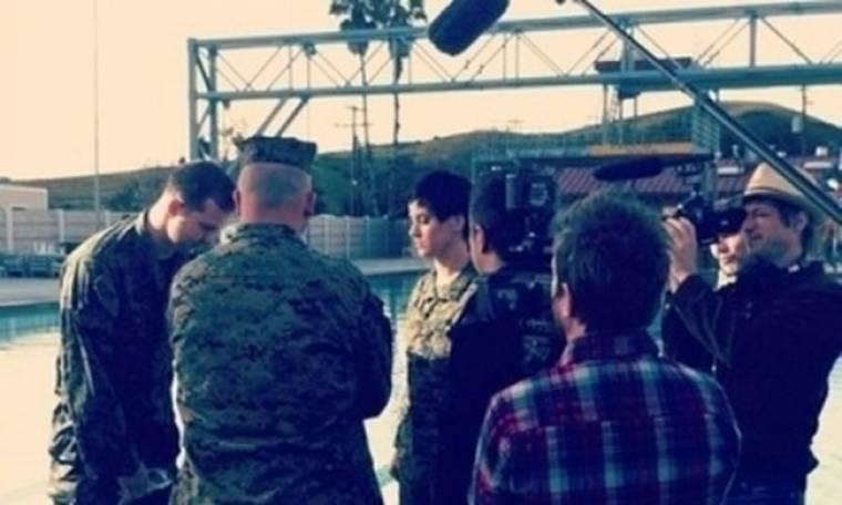 Katy Perry: Με στρατιωτικά στο νέο της βίντεο κλιπ
