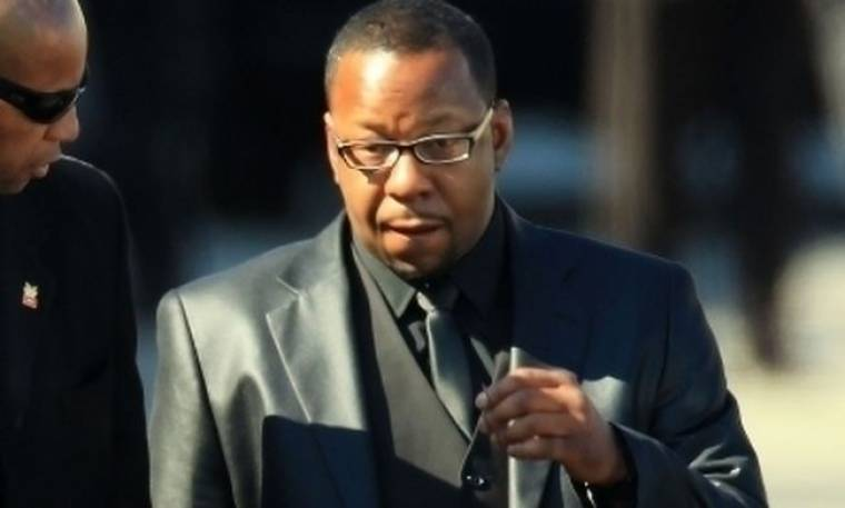 Bobby Brown: Βάζει τα πράγματα στη θέση τους για την κηδεία