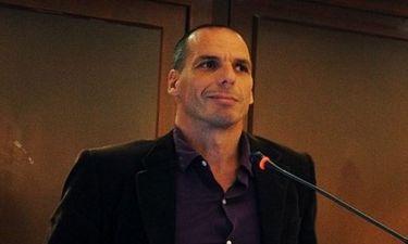 Γιάνης Βαρουφάκης: «Το Ελληνικό Δημόσιο έχει χρεοκοπήσει εδώ και δύο χρόνια»