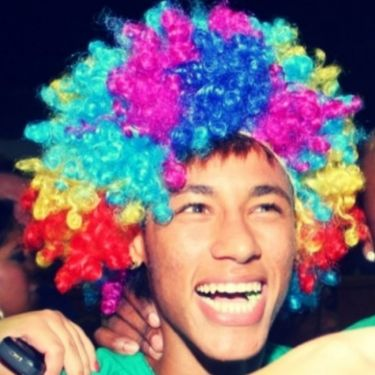 Ο... κλόουν Νεϊμάρ γλεντά στο καρναβάλι