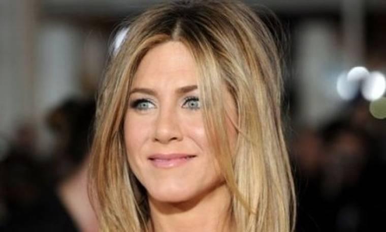 H Jennifer Aniston είναι αντροχωρίστρα;