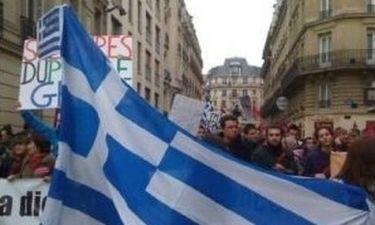 Video: Αυτός είναι ο άνθρωπος που οργάνωσε το κίνημα «Είμαστε Όλοι Έλληνες»!