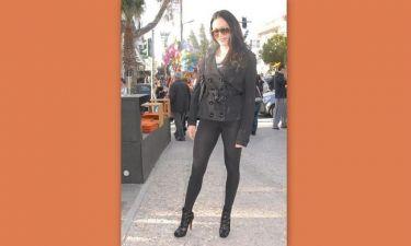 Έφη Κυριάκου: Lady in… black!