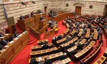 Σφοδρή αντιπαράθεση για την συμφωνία στο Eurogroup στη Βουλή
