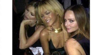 Η καυτή φωτογραφία Rihanna - Kate Moss - Stella McCartney στο Twitter