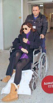 Μιμή Ντενίση: Η έξοδός της από το νοσοκομείο