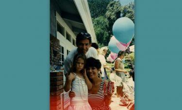 «Aνέβασε» οικογενειακές φωτογραφίες για τα γενέθλια του πατέρα της που έχει πεθάνει