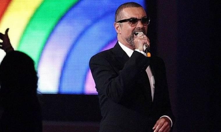 Ο George Michael αποθεώθηκε στα Brit Awards