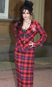 Η Helena Bonham Carter τιμήθηκε από την Βασίλισσα Ελισάβετ