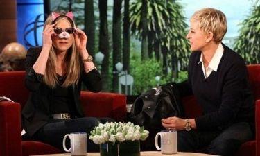 Η Jennifer Aniston σχολιάζει το breakdance του Theroux