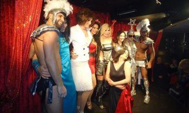 Ένα ξέφρενο μασκέ πάρτι με άρωμα Eurovision