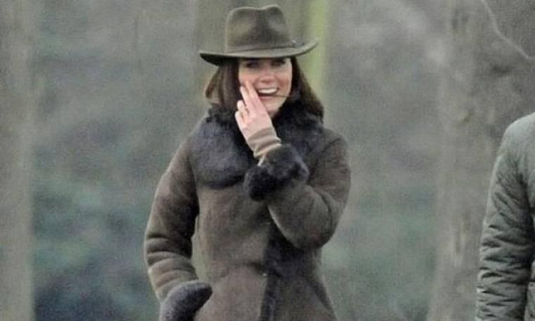Kate Middleton: Η βόλτα με το σκύλο της! (φωτό)