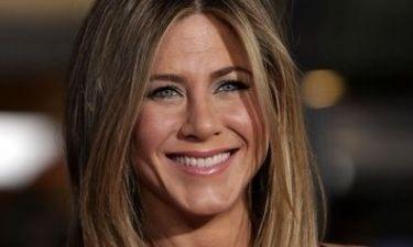 Shimmer στα βλέφαρα της Jennifer Aniston