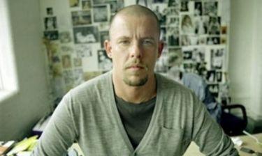 Alexander McQueen: Η αυτοκτονία, η διαθήκη και η περιουσία στα σκυλιά του