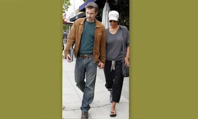 Halle Berry: Υποβασταζόμενη από τον Olivier Martinez