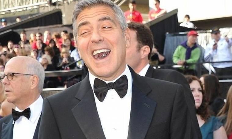 George Clooney: Δεν με νοιάζει εάν κάποιοι πιστεύουν ότι είμαι gay!