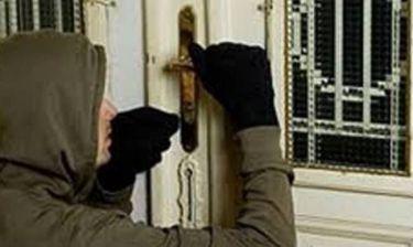 Έκλεψαν 275.000 ευρώ μέσα από σπίτι