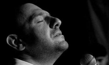 Στέφανος Κόκκαλης: Ετοιμάζει μουσική παράσταση για την ενίσχυση των Γιατρών του Κόσμου