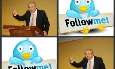 Ο Μπαμπινιώτης στο υπουργείο Παιδείας και οι απίστευτες ατάκες στο twitter!