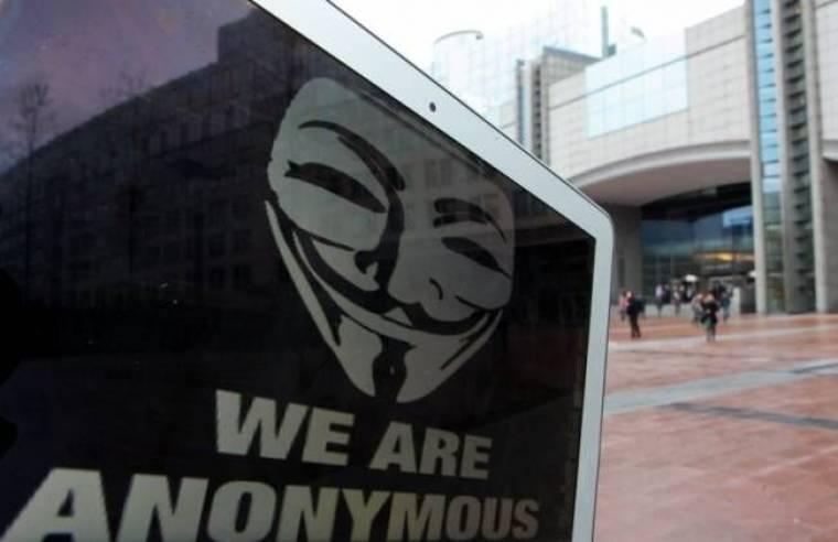 Συνεχίζονται οι συλλήψεις μελών των «Anonymous»